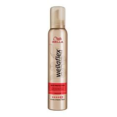 Spuma pentru fixare rezistenta Wellaflex Heat Creations 200ml