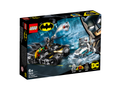 LEGO Avengers - Mr. Freeze in batalia pe batcycle 76118